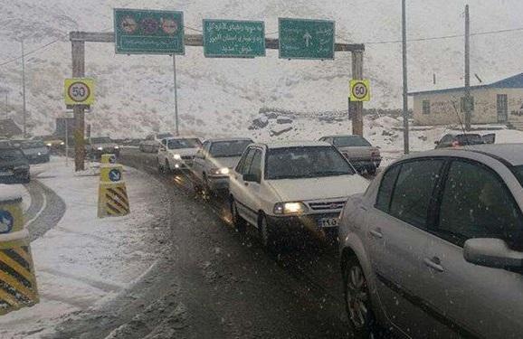 برف و باران در جاده های چهار استان